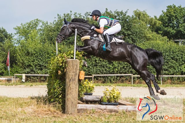 Michael Jung riding Der Dante in the CIC1* cross country at Hünxe, photo by Eventing Photo